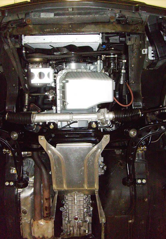 [Bild: 381_Motoreinbau-fertig_unten.jpg]